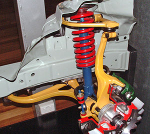 Double wishbone suspension - Wishbones and upright painted yellow