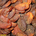 Dried unbleached peaches (3076407313).jpg