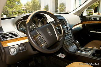 Lincoln MKT - Image: Driver's Side View of Lincoln MKT (5871524123)