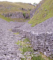 Dry stone wall Gordale 10.JPG