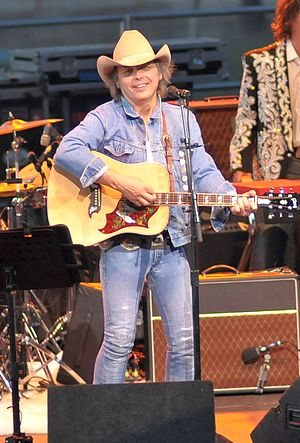 Dwight Yoakam - Yoakam performing in 2008