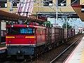 EF67-102 pushing 5074レ container train 2017-08-04 (36364385695).jpg