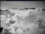 ETH-BIB-Hausstock, Piz Sardona im Wolkenmeer v. N. aus 3000 m-Inlandflüge-LBS MH01-006343.tif