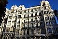 Edificio en la plaza de la Encarnación, Madrid.jpg