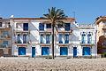 Edificio residencial perante a praia de Coma-ruga. El Vendrell. Tarragona-32.jpg