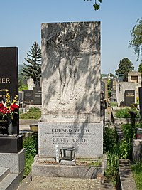 Eduard Veith grave, Vienna, 2018.jpg