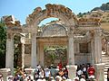 Efez Hadrian temple RB.jpg