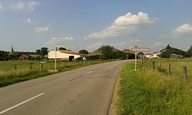 The road into Auzainvilliers