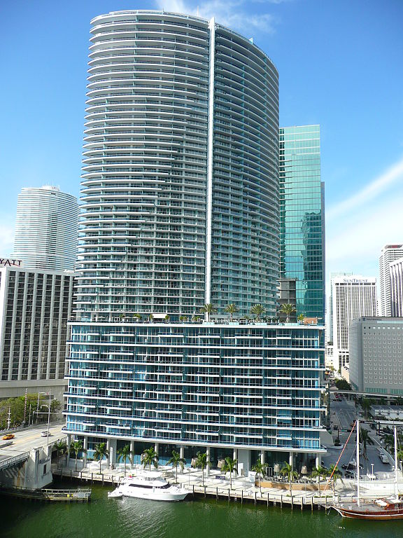 Epic Hotel Downtown Miami