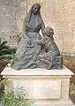 Estatua Sor Maria Rafaela.JPG