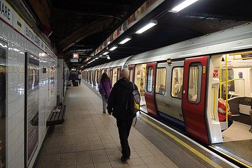 Euston Square tube station MMB 06 S-Stock