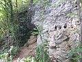 Extérieur grotte des Puits 08.jpg