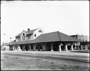 Pomona station (California) - Exterior view of the previous Pomona Railroad Station, ca.1906