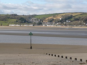 Llansteffan - Image: Ferryside, groyne and beacon geograph.org.uk 1179270