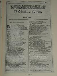 Faksimiler af første side i The Merchant of Venice fra First Folio, publiceret i 1623