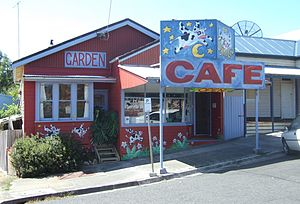 Fish Creek, Victoria - Image: Fish Creek Flying Cow Cafe Stevage