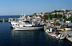 Fishing-boats-port-samothraki.jpg