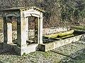 Fontaine-lavoir datée de 1850. Entrée nord du village.jpg