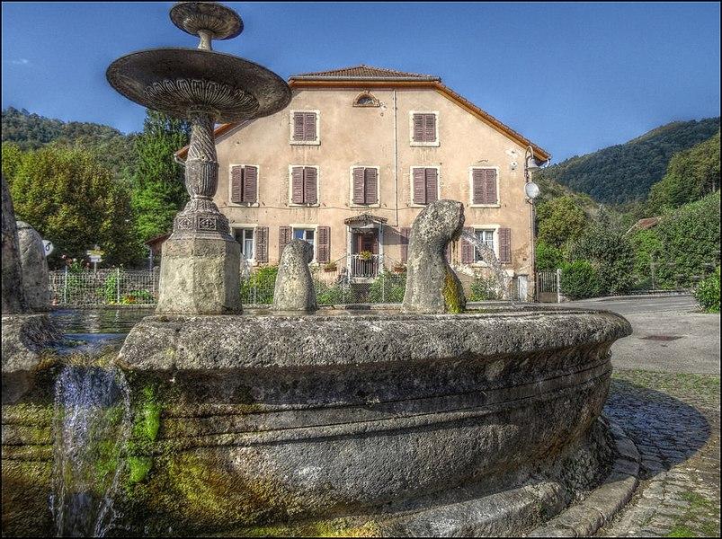 Fontaine aux lions à Vaufrey (Doubs)