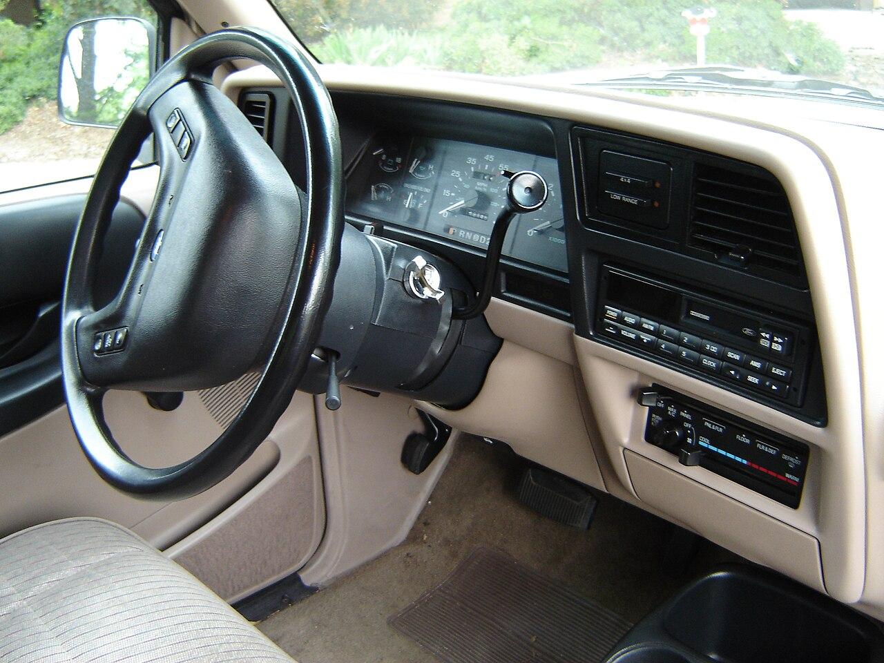 File:FordRangerDash.jpg - Wikimedia Commons