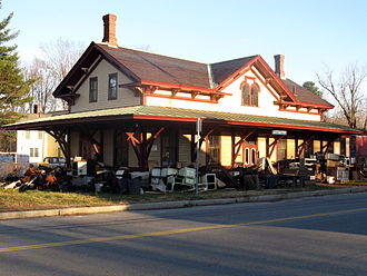 Littleton/Route 495 station - The depot was restored in 1976 and is now a stove restoration shop