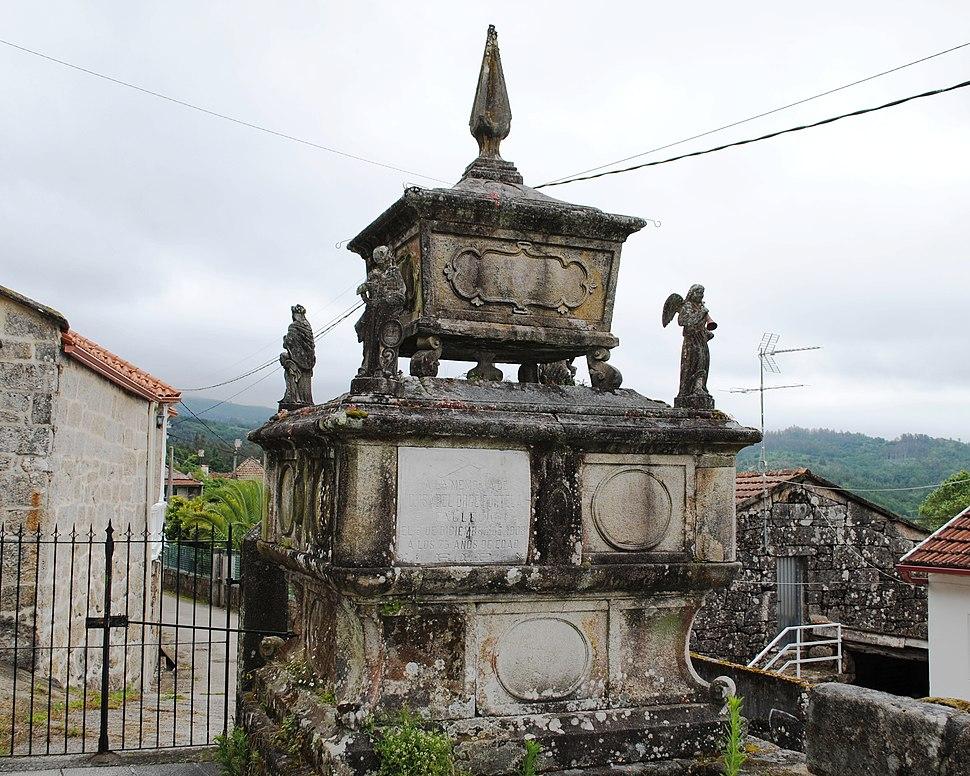 Forzáns, panteón (2)