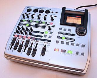 Fostex - MR8 HD multitrack recorder