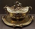 François-thomas germain, terrina con vassoio, argento dorato, parigi 1761, 01.jpg