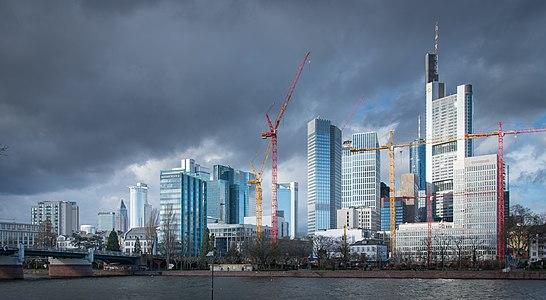 Frankfurt Haupt-Skyline.Süden.20140209.jpg