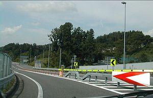 インターチェンジ出入口のカーブ(矢吹側より撮影) インターチェンジ出入口のカーブ(矢吹側より撮影