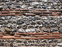 Début de temple 220px-Gariannonum_Burgh_Castle_south_wall_well_preserved_close_up