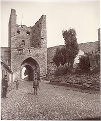 Gate in the City Wall of Visby, Gotland, Sweden (3349005422).jpg