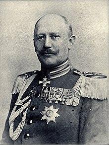 Generalleutnant von Moltke, der neue Chef des Generalstabs, 1906 (cropped).jpg