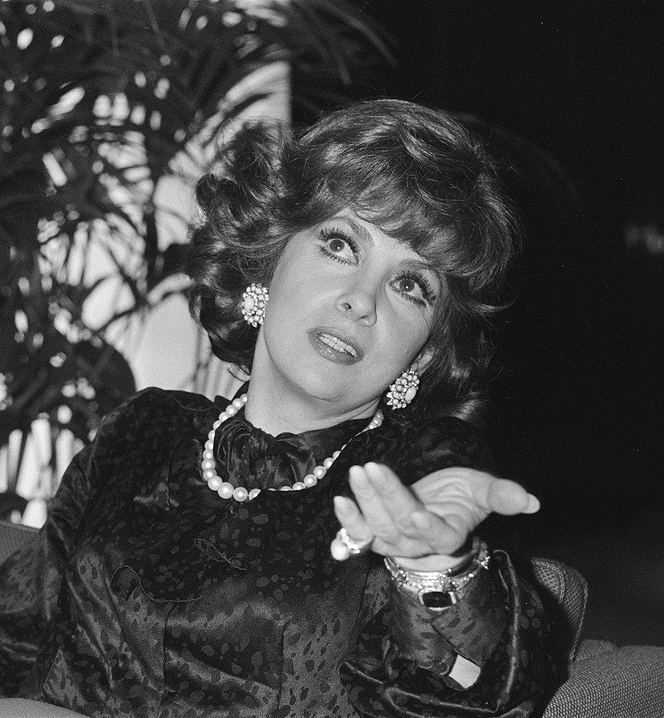 Gina Lollobrigida 1980b