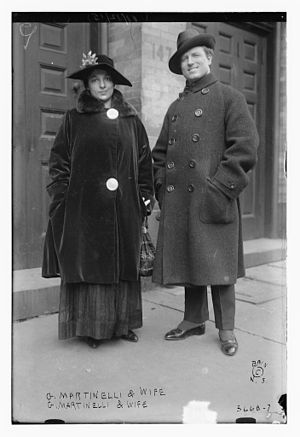 Giovanni Martinelli - Giovanni Martinelli  and his wife Adele at the Metropolitan Opera on November 12, 1915
