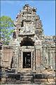 Gopura du temple Ta Som (Angkor) (6973174791).jpg