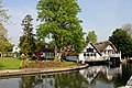 Goring on Thames. A very English reflection. - panoramio.jpg