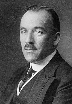 Gottlieb von Jagow circa 1915 (cropped).jpg