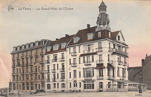 Antoine Depage - Grand hôtel de l'Océan in La Panne (Belgium) around 1904.