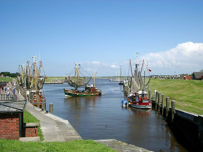 File:Greetsiel-18.07.07.JPG