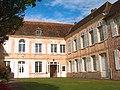 Hôtel de Nanteuil au Petit-Andely, façade sur cour d'époque Louis XVI.jpg