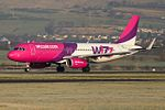 HA-LYL A320 Wizz (31381702363).jpg
