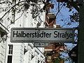 Halensee Halberstädter Straße Korkmännchen.JPG