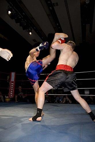 Kickboxing - Image: High kick block