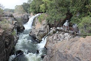 Hogenakkal Falls - Hogenakkal Falls bathing area