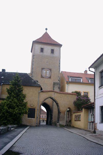 Soubor:Horažďovice - Červená brána.jpg