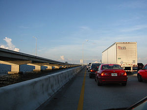 Howard Frankland Bridge - Eastbound traffic toward Tampa in 2005