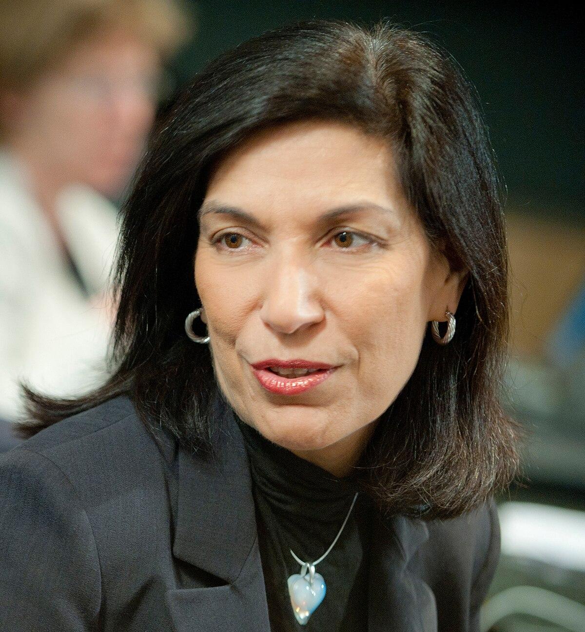 Huda Zoghbi - Wikipedia