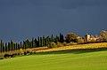 Il Castello e il viale di cipressi.jpg