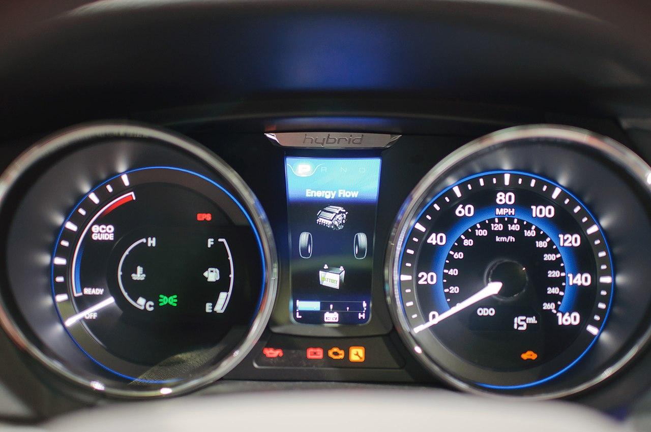File:Instrument cluster Hyundai Sonata Hybrid 2011 LA Auto